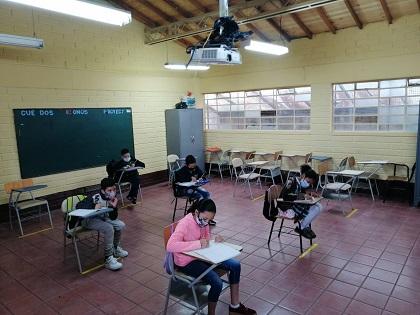 Alternancia sede Golondrinas estudiantes de Aceleración